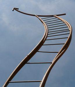 échelle vers le ciel en illustration du coaching de motivation pratiqué par Laurence Coiffard